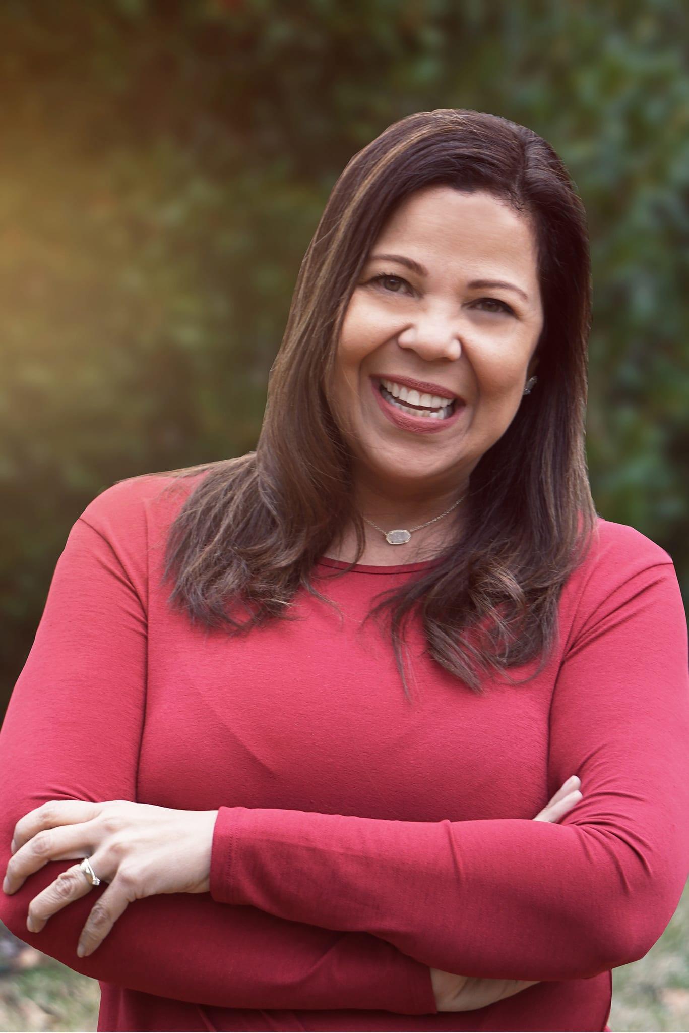 Ivette Zavarce, Directora de Outreach y Locutora
